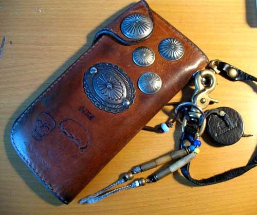 使い込んだ長財布....