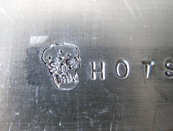 アルミ板にカーボン打刻印で刻印してみました。