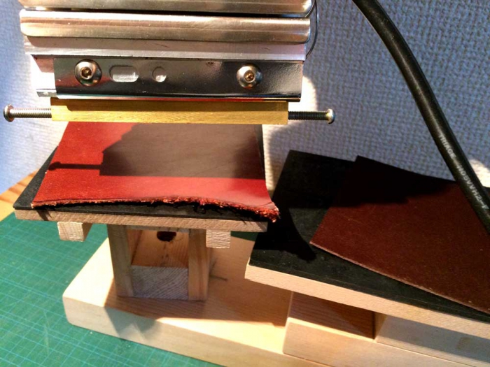 ハンディーホットスタンプ用の刻印台を作りました。