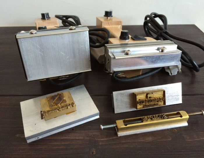ハンデイー型焼印機、2種類ある!の紹介です。
